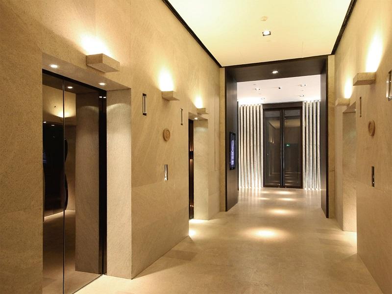 垂直乘客电梯